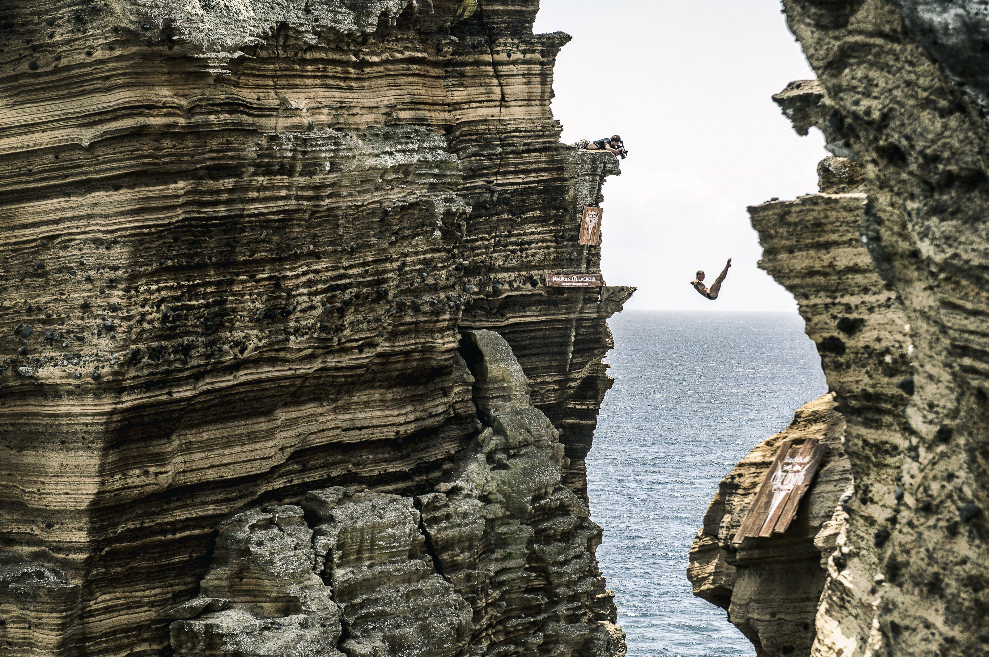 Cliff Diving powraca do korzeni – High Diverzy będą skakać ze skał na portugalskich Azorach