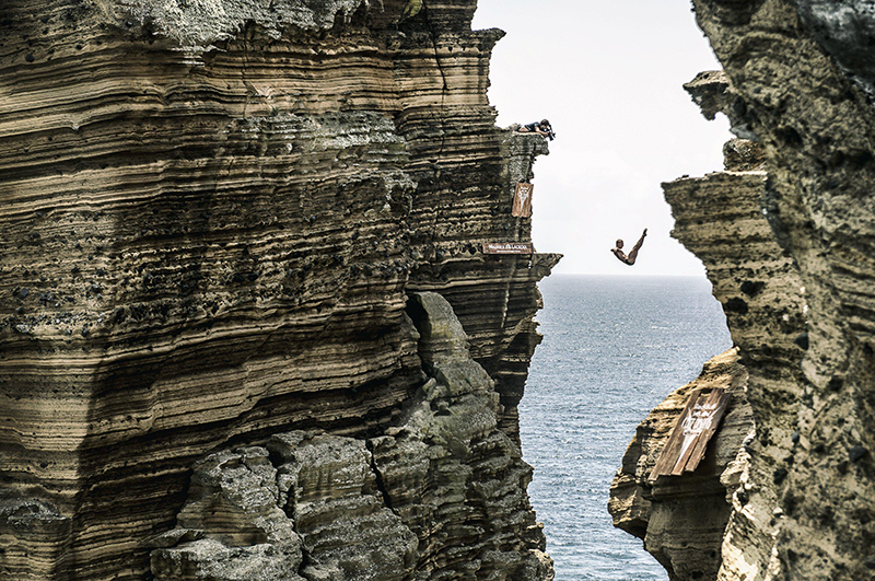 Red-Bull-Cliff-Diving-2016_KKolanuswww