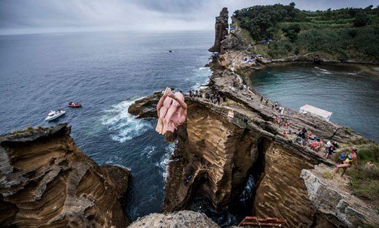 Skoki do wody z wulkanicznych skał Portugalii już w ten weekend!