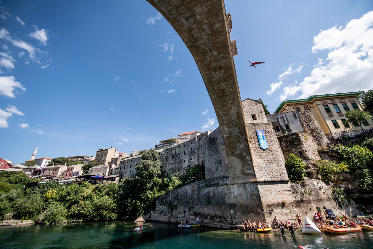 Zwycięstwo Hunta i Jimenez w Mostarze