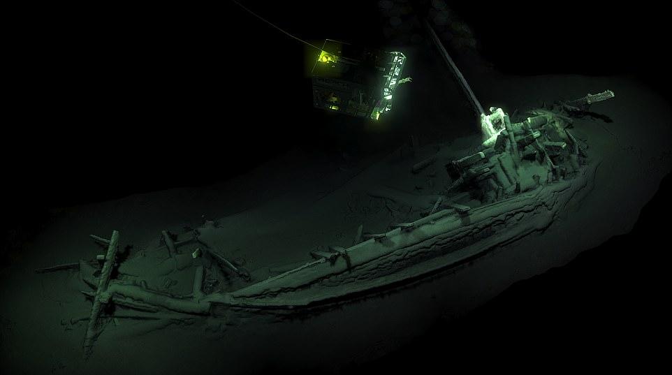 Najstarszy nietknięty starożytny wrak statku sprzed 2400 lat.