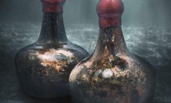 Licytacja wydobytego z wraku wina z XVII wieku