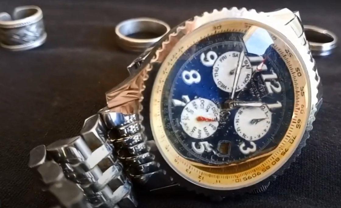Nurkowe znajdują pod wodą luksusowy zegarek