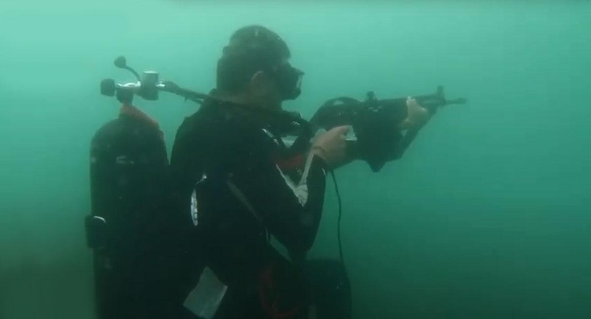 """Szkolenie taktycznie komandosów Jiaolong  – """"Morskich Smoków"""""""