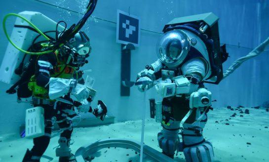NASA testuje nowy model kombinezonów kosmicznych pod wodą