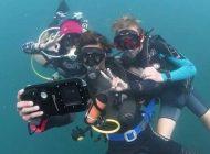 Obudowa podwodna z funkcją aparatu i komputera nurkowego